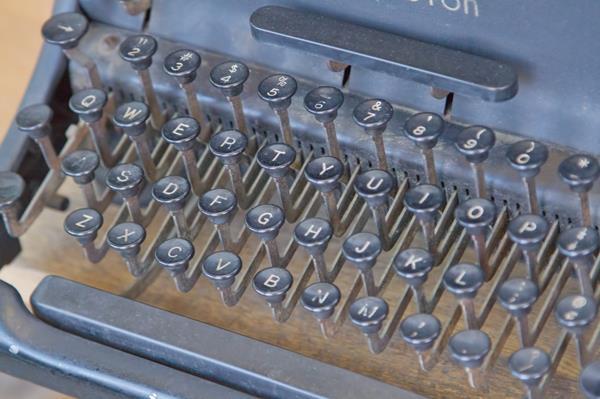 typewriter-s
